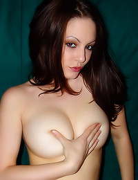 Natalie Sparks - Hot babe with great tits showing you a good time