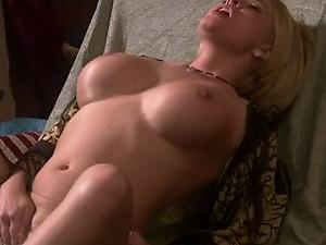 Blond Boomshell Krissy Lynn Masturbating To Allure a Guy