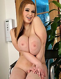 Hot sexy for the chubby slut