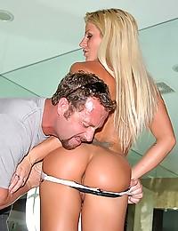 The Blonde MILF Brooke Belle Getting It All