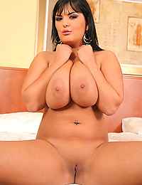 Curvy pornstar with big tits