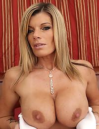 Gorgeous Blonde Milf Kristal Fingers Pussy
