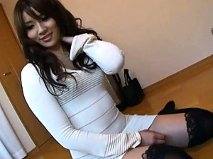 Rinka Aiuchi cute office girl in her sexy knee high stockings