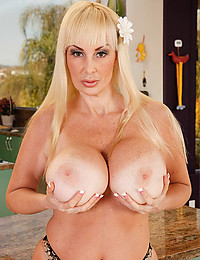 Very Busty Cougar Brittany Exposes All