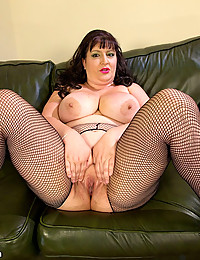BBW models her fishnets