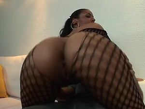 Joyce Oliveira Makes This Big Dick Spurt Two Cumshots