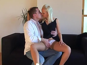 Great Hardcore Sex With a Gorgeous Blonde Teen