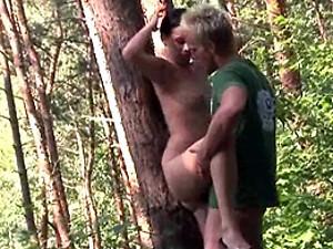 Willing teenage sweetie screwed hardcore up against a tree