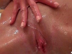 Extremely Gorgeous Teen Victoria Tiffani Masturbates In The Shower