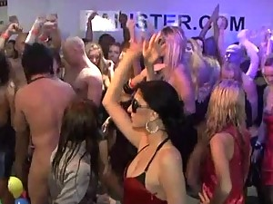 Amateur Orgy at the Club