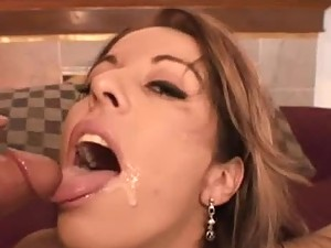 Hot Mature Deepthroats On A Meaty Dick And Gets A Facial