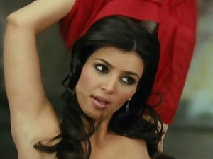 Kim K looks sexy in these hot videos!