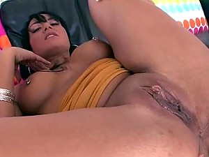 Mahina Zaltana gets her Pussy Eaten and her Asshole Fingered