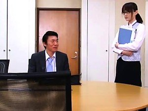 Shou Nishino wants office sex with her boss so she kisses him